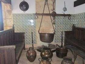 Alcazar-de-Colon-Kitchen